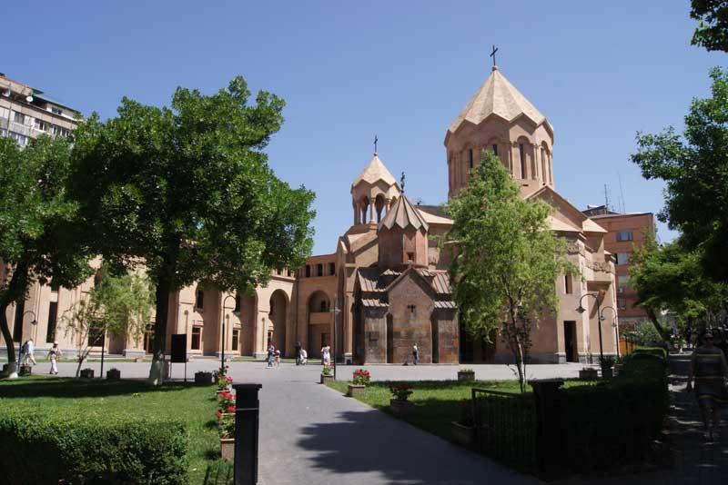 Церковь Св. Богородицы и церковь Св.Анны
