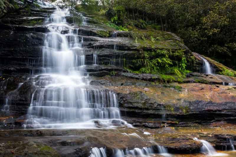 Несколько каскадов водопада в Голубых горах