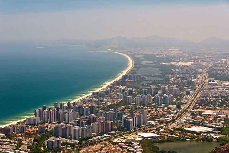 Барра-да-Тижука высоты птичьего полета, пляж, Атлантический океан