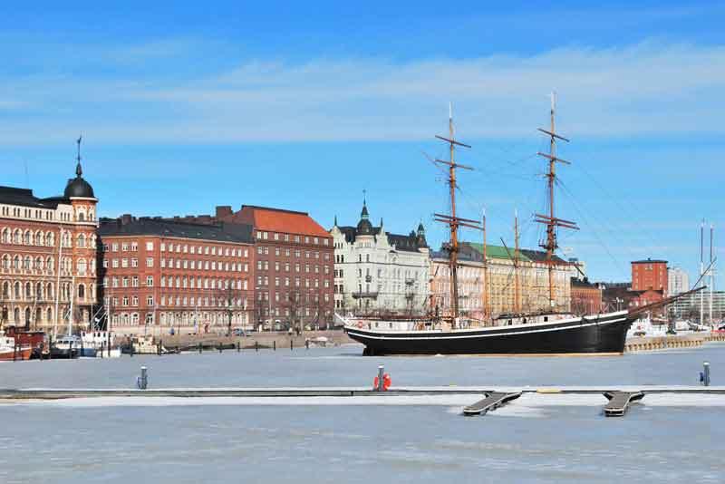Северный Порт в солнечный зимний день