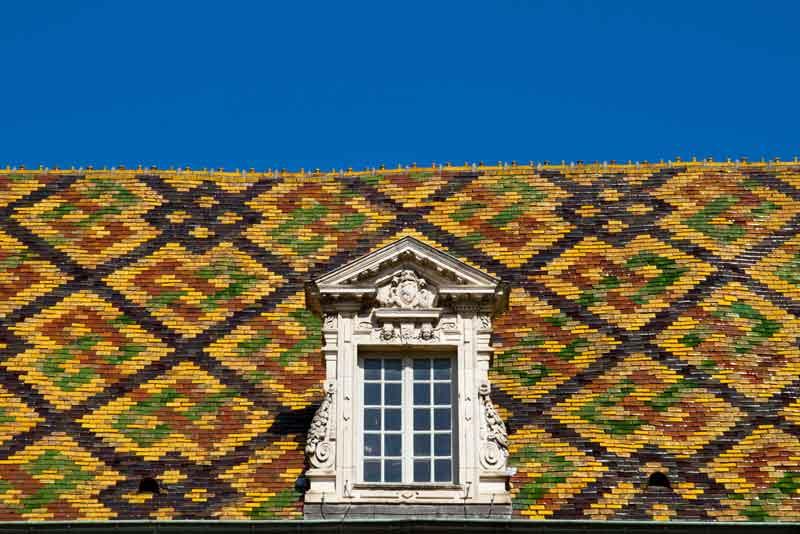 Крыша в дижонском стиле
