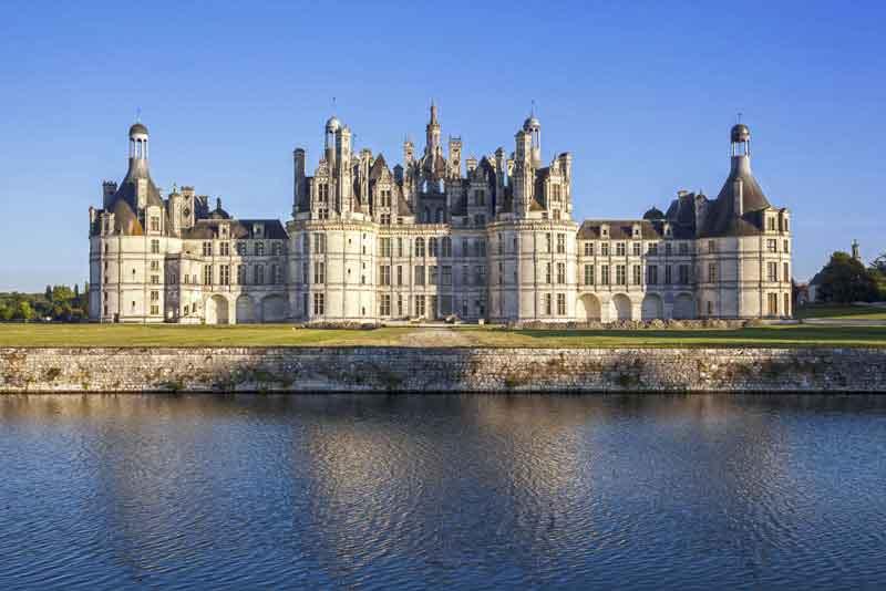 Замок Chambord в долине реки Луары