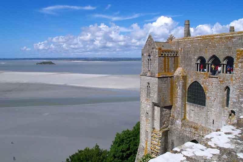 Вид из монастыря Мон Сен-Мишель