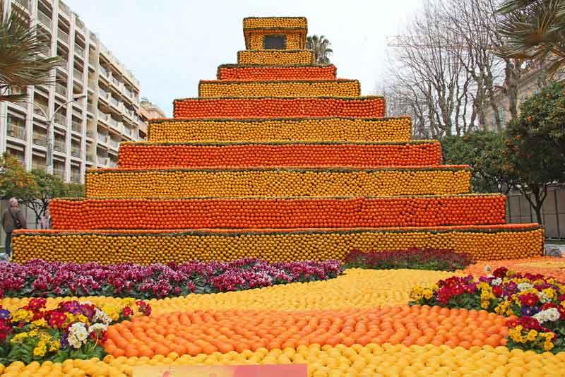 Пирамида Майя из лимонов и апельсинов