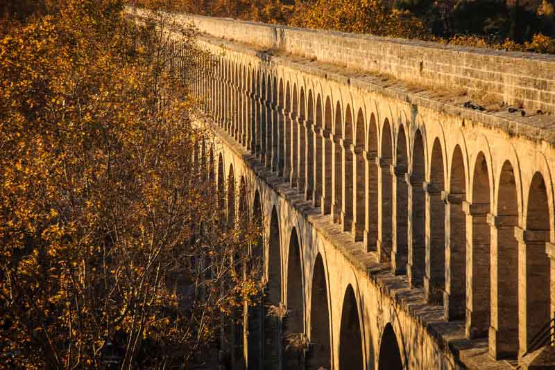 Старый римский акведук