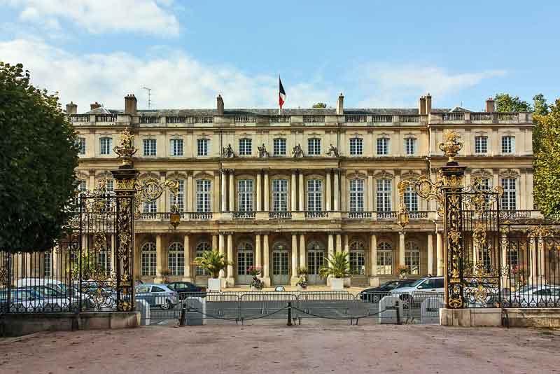 Правительственный дворец