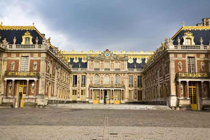 Вид знаменитого дворца Версаль, ЮНЕСКО