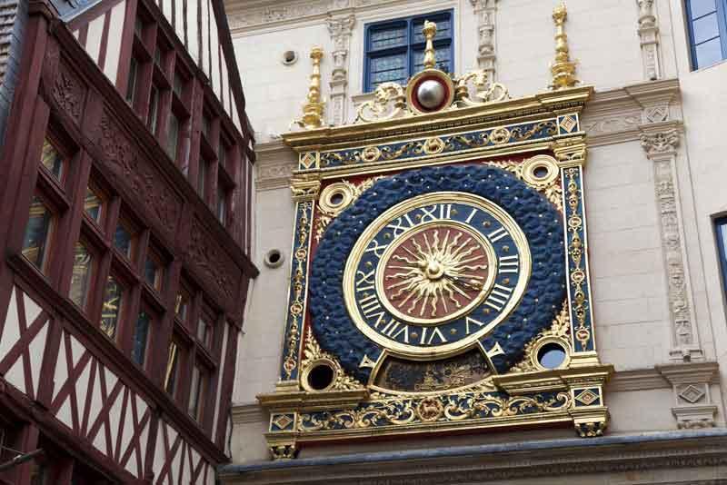 Большие часы в Верхней Нормандии