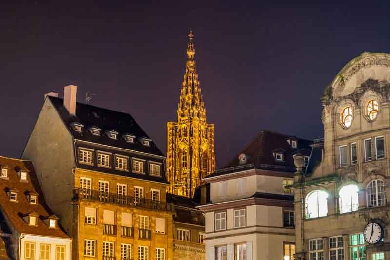 Вид Страсбургский собор с площади Клебер