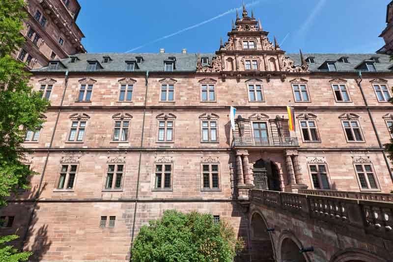 Замок Йоганнесбург в баварском городе