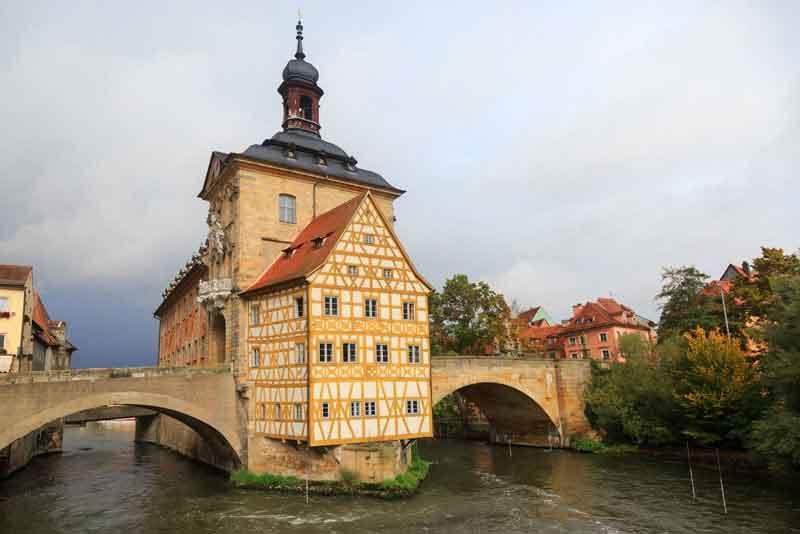 Верхний мост и Староместская ратуша