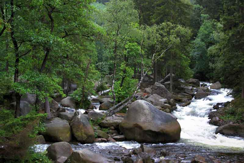 Река Окер в горах
