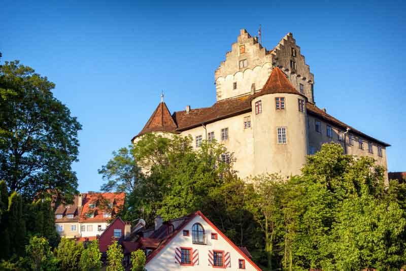 Вид на крепость Меерскбург