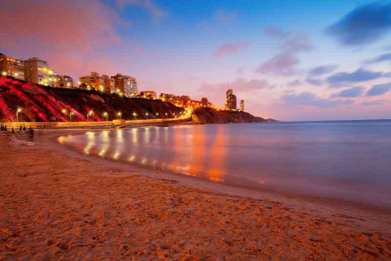 Панорамний вид города на закате