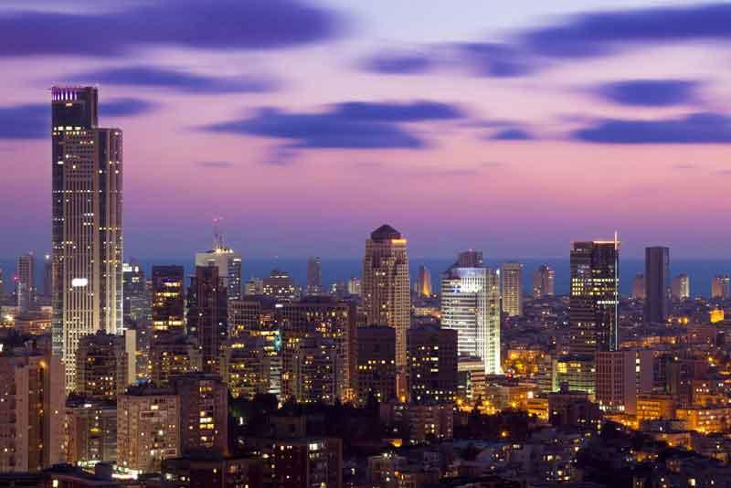 Тель-Авив и небоскрёб Рамат-Ган
