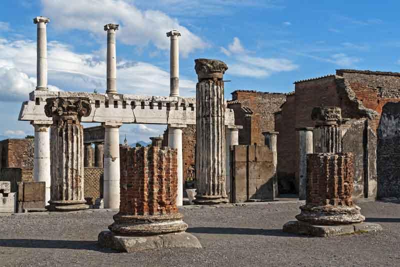 Античные руины города