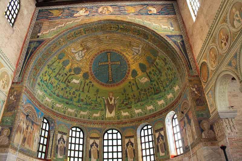 Одна из мозаик базилики Сан-Витале