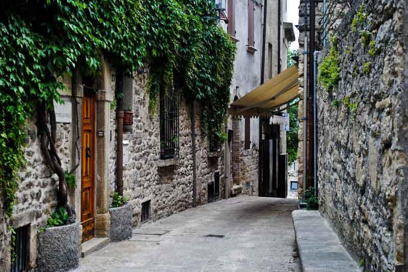 Типичная улица города