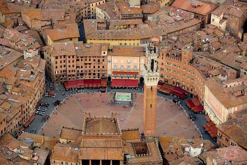 Вид города Тосканы
