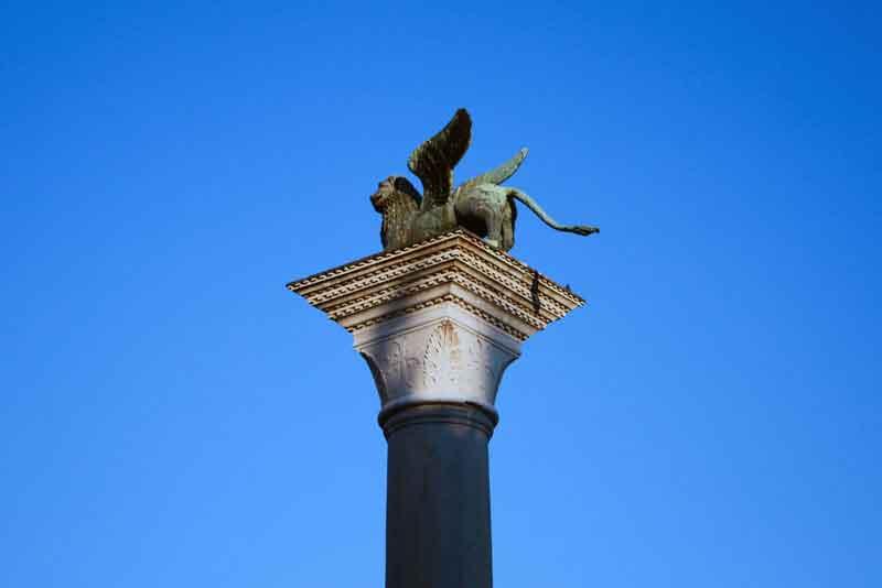 Крылатый лев на площади Святого Марка - символ города