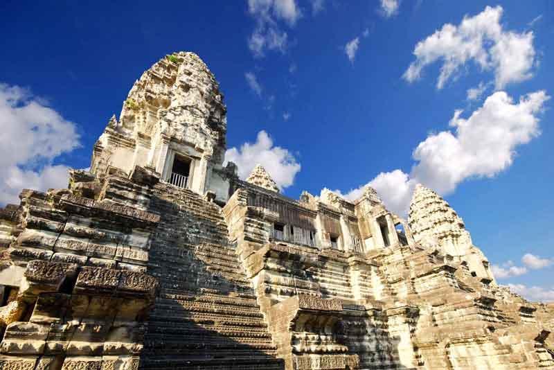 Гигантский индуистский храмовый комплекс Ангкор-Ват