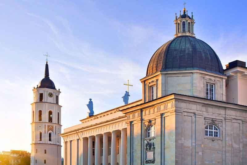 Кафедральный собор и колокольня на Соборной площади