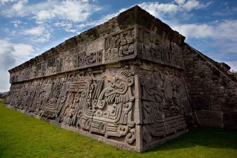 Храм Пернатого Змея