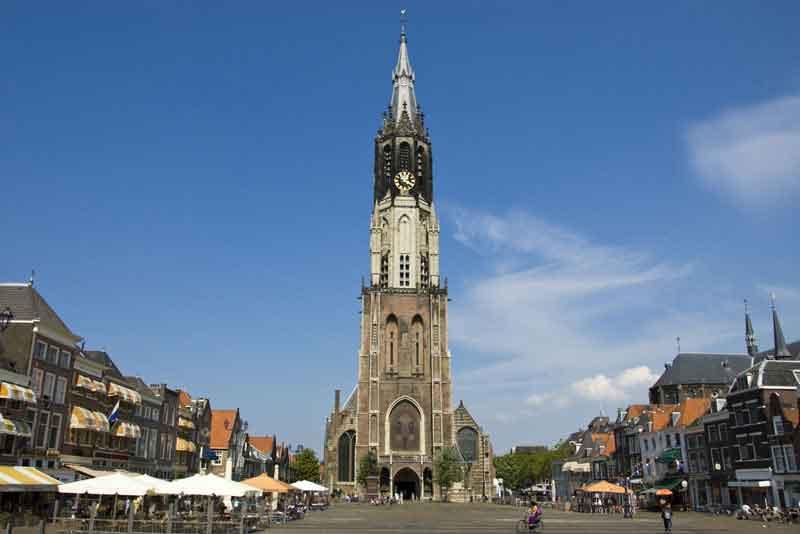 Новая церковь и Рыночная площадь