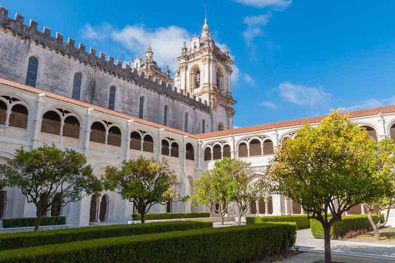 Двор Римско-католической монастыря