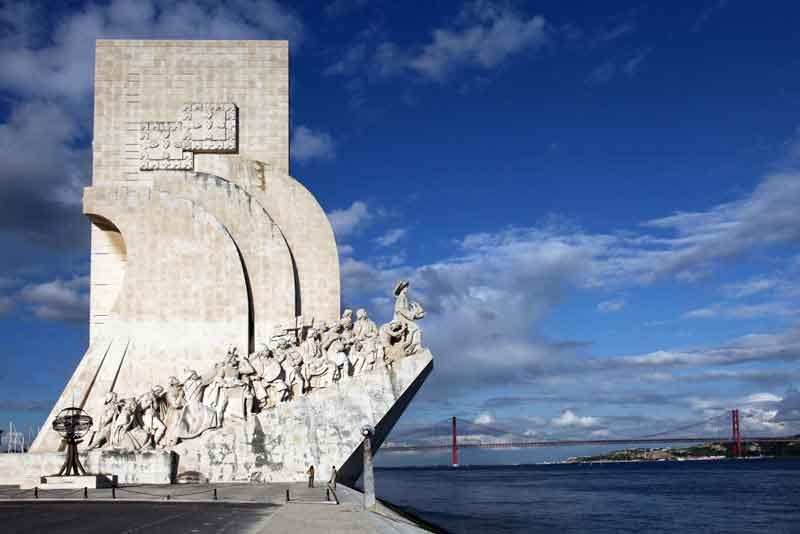 Памятник завоевателям
