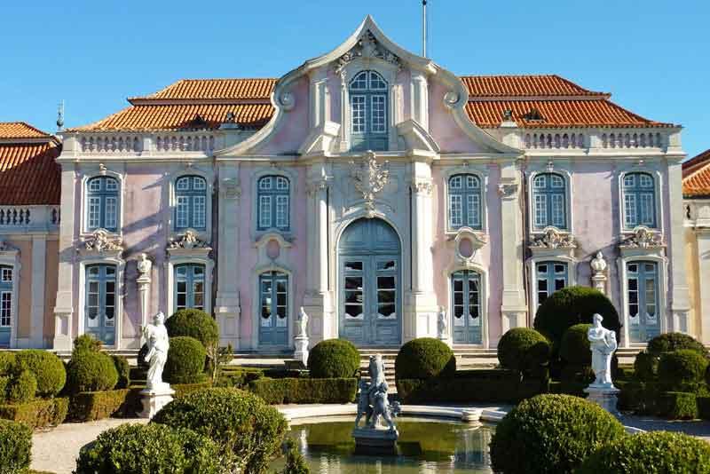 Бальный зал крыло дворца