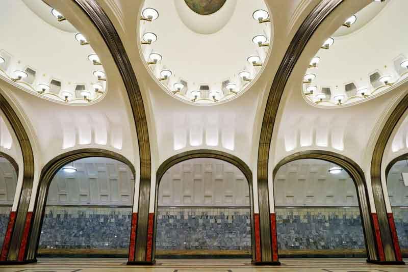 Интерьер станции метро Маяковская
