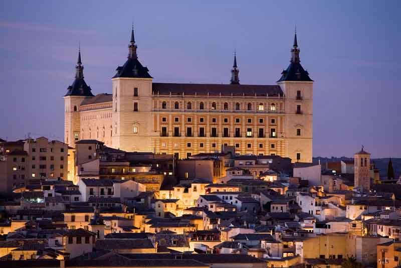 Вид на замок Алькасар