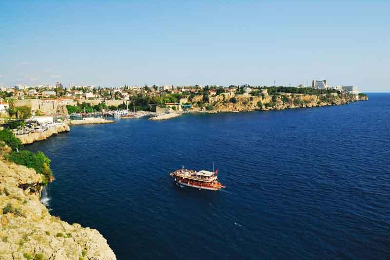Панорамный вид на старую гавань