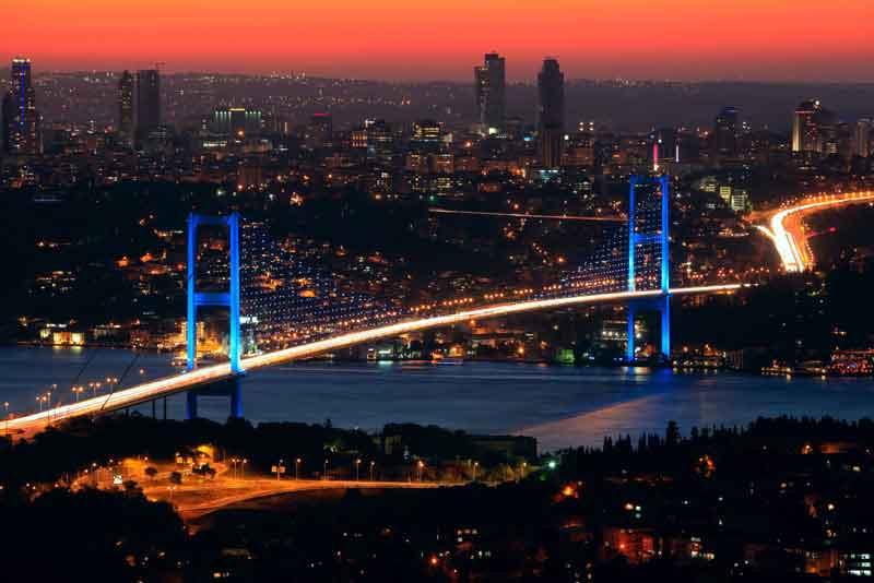 Босфорский мост ночью