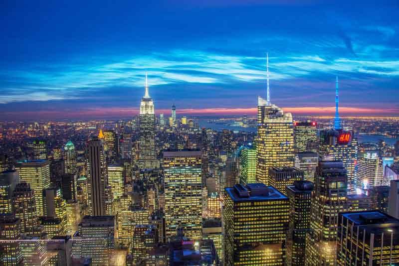 Знаменитые небоскребы в ночное время
