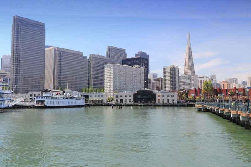 Вид на город с о стороны гавани